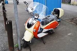 Retro Roller Kaufen Berlin : sch ner retro roller von razory nahe u bahnhof b lowstra e ~ Jslefanu.com Haus und Dekorationen