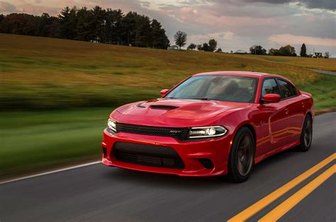 hellcat charger 2015 dodge charger srt hellcat first drive motor trend