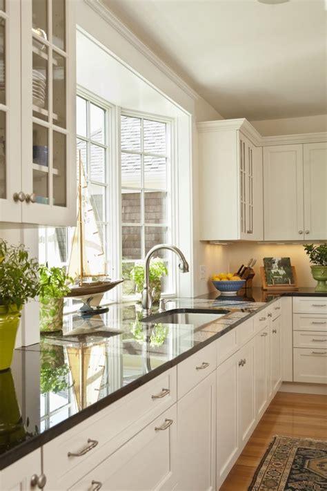 small kitchen bay window  sink bay window faucet