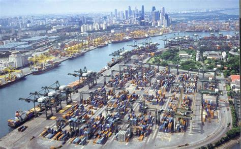 Singapore Port Moves 8% Fewer Boxes In March From Year