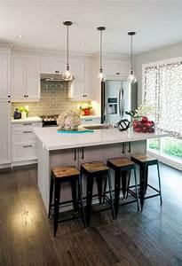 petite cuisine avec ilot central ayant toute la With cuisine avec ilot central et coin repas