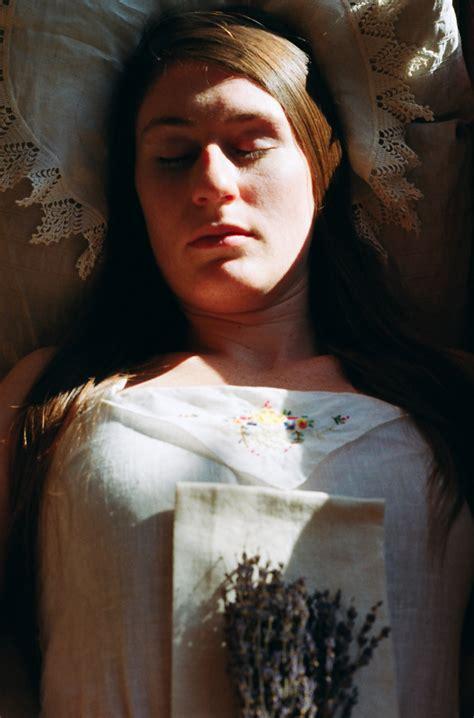 Ada 20 gudang lagu beautiful women in their caskets terbaru, klik salah satu untuk download lagu mudah dan cepat. Woman in her open casket at a fantasy funeral.