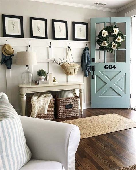 Discover some beautiful farmhouse living room designs and farmhouse living room ideas for your see this living room here. 31 Cozy And Inviting Farmhouse Entryway Decorating Ideas | Farm house living room