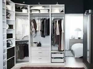 Offener Kleiderschrank Den Raum Funktional Und Dekorativ