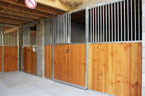 porte de box fa 231 ade de box pour chevaux porte coulissante doitrand equestre