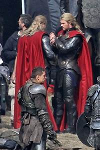 Chris Hemsworth and His Body Double on Set 'Thor: The Dark ...