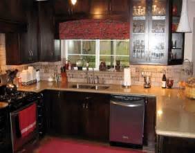 decorating ideas for kitchen counters decorating kitchen countertops with accessories decosee