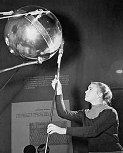 wordlessTech | Sputnik and the Dawn of the Space Age