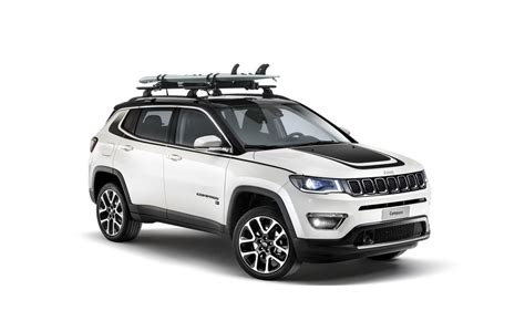 mopar jeep accessories jeep compass gets over 70 exclusive accessories from mopar