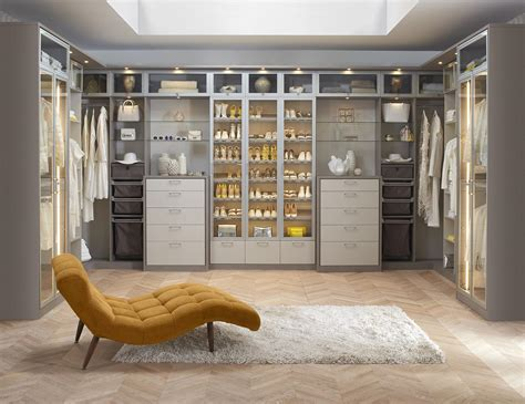 Desain Walk In Closet by Walk In Closet Systems Walk In Closet Design Ideas