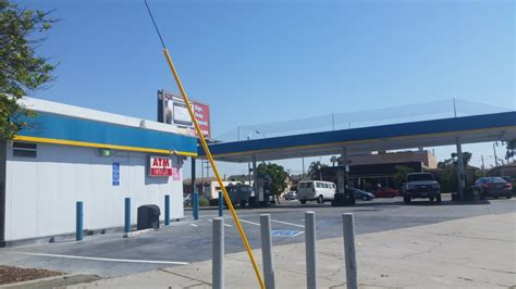 gas l san diego valero gas station 25 reviews gas stations 3150