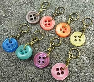 Schlüsselanhänger Selber Machen : einfache schl sselanh nger aus kn pfen in verschiedenen farben 1 allgemeines geschenke ~ Orissabook.com Haus und Dekorationen