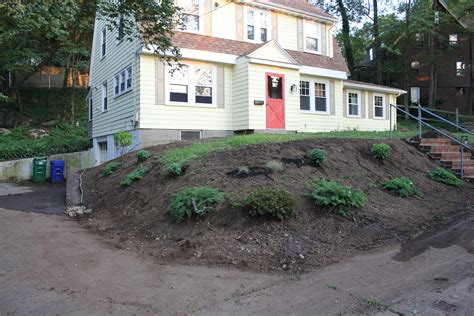 landscaping a sloped front yard garden landscaping before and after lanscape information