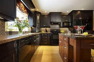 UNDERSTANDING THE TRADITIONAL VS TRANSITIONAL KITCHEN DESIGN STYLE Builder Supply Outlet