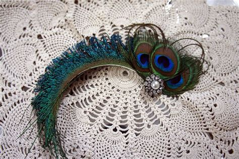 1000 ideas about peacock feathers on peacock peacock drawing and feather wallpaper
