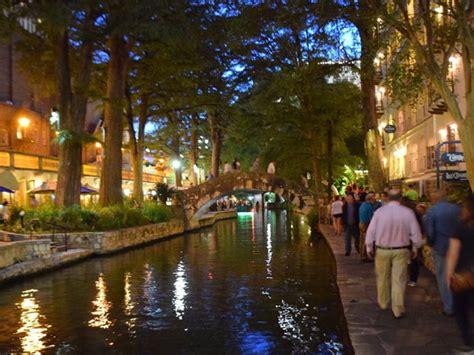 San Antonio Riverwalk Boat Ride Price by San Antonio River Walk Boat Tours With Go Cruises