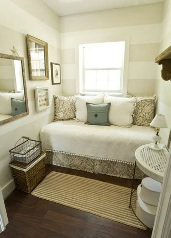 Decorating Ideas For Home by Small Bedroom Decorating Ideas For Home Staging
