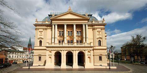 Großes Haus  Mecklenburgisches Staatstheater