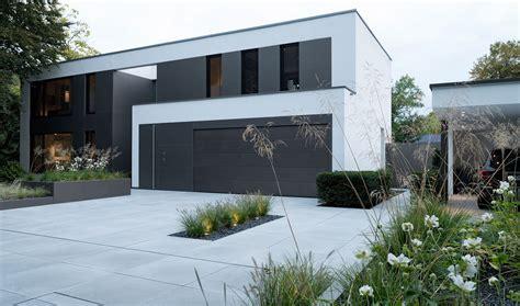 Moderne Häuser Und Gärten by Moderne Architektur Im Tageslicht Pulverbeschichtete