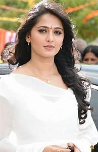 Anushka Shetty In White Saree In Damarukam   www.imgkid ...