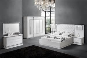 chambre coucher adulte set de chambre king noir chaios com