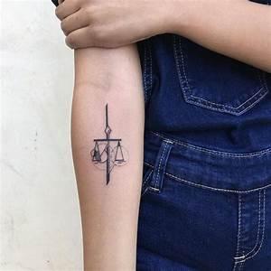 Zwilling Und Waage : ideen f r sternzeichen tattoo welches motiv passt zu ihnen ~ Orissabook.com Haus und Dekorationen