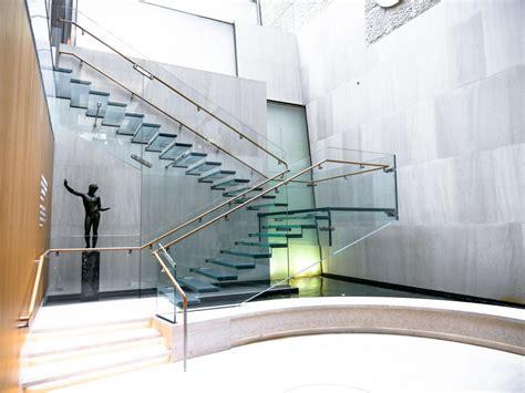 onassis  glass staircase agnora