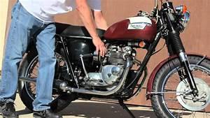 Motorcycle Kick Start Demonstration  1972 Triumph T100r