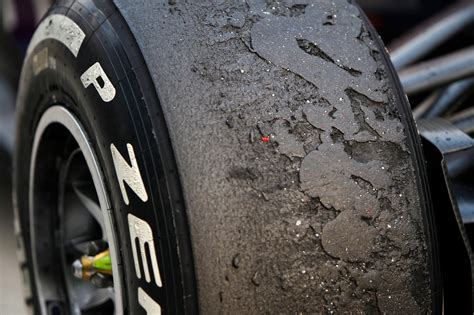 formel 1 reifen pirelli muss neue reifen liefern f1 ecclestone