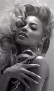 Beyonce Black and White Queen