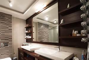 choisir l39eclairage d39une salle de bain With eclairage salle de bain au dessus miroir