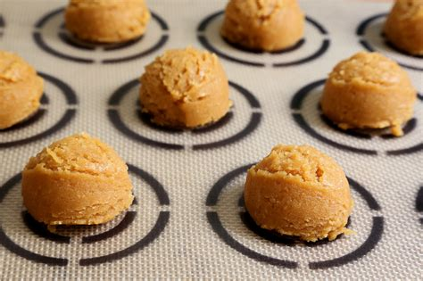 cuisine cooky easy peanut butter cookies popsugar food