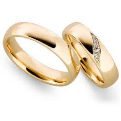 gold wedding bands why gold wedding rings wedding promise engagement rings trendyrings