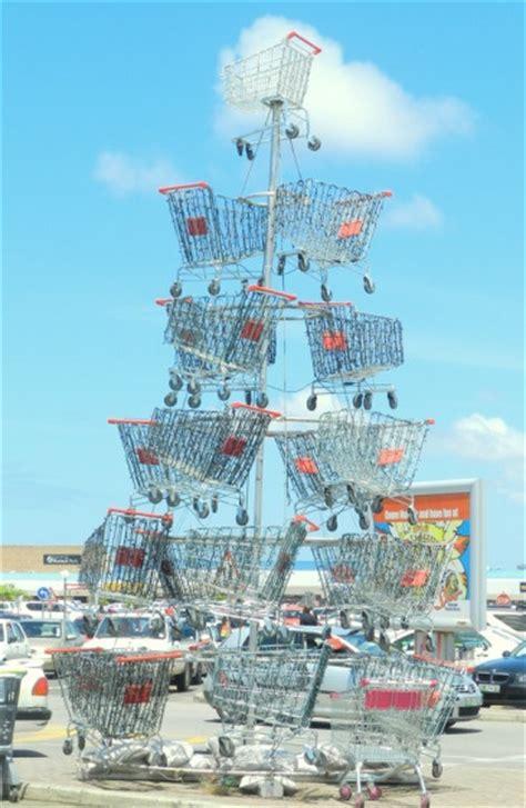 shopping cart christmas tree shopping cart a la carte 21 ways to reuse shopping carts 1406