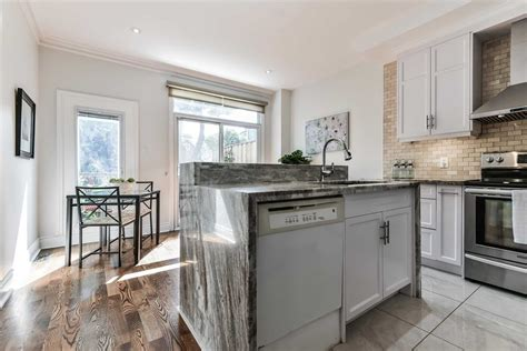 This location is a walker's paradise so daily errands do not require a car. 279 Roncesvalles Avenue Toronto - 279 Empress Avenue For Sale - You are a short streetcar ride ...