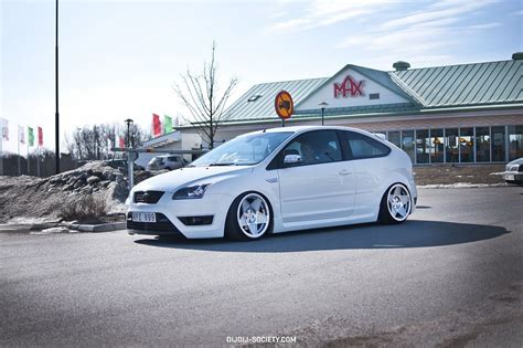 white low ford focus st mk2 ford focus st tuning ford ford focus cars