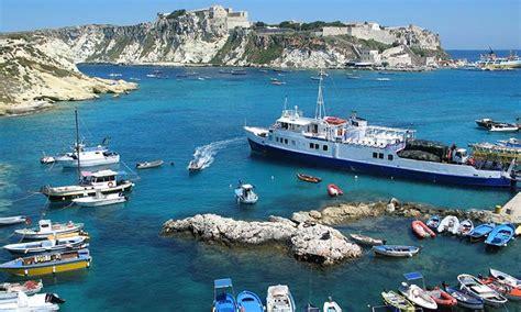 isole tremiti appartamenti vacanze appartamenti e in vendita sul mare in molise acqua