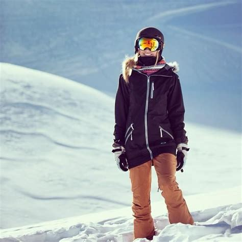 1000+ ideas about Snowboarding Outfit on Pinterest   Ski gear Ski clothes and Snow pants