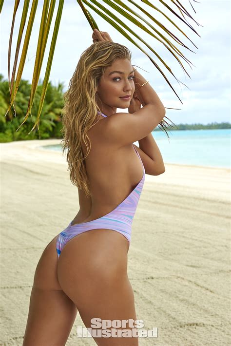 Si Swimsuit Our Gigi Hadid Obsession In Gifs Si Com
