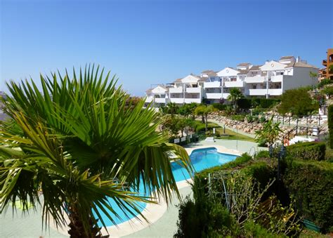 set gardens with pool views vistacare