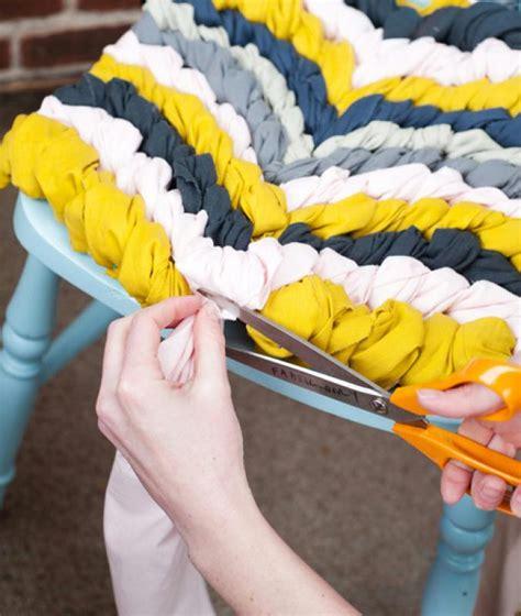 comment tresser une chaise bricolage diy une coussin de chaise façon bracelet