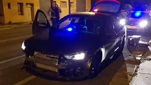 Men escape after ramming police car in stolen BMW | Noosa News