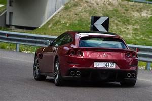 Ferrari Gtc4 Lusso : new ferrari gtc4 lusso 2016 review pictures auto express ~ Maxctalentgroup.com Avis de Voitures