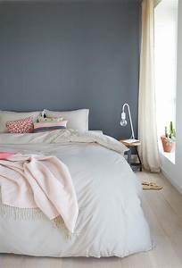 Welche Farbe Fürs Schlafzimmer : ein h bsches blau grau als wandfarbe im schlafzimmer kolorat wandfarbe ~ Sanjose-hotels-ca.com Haus und Dekorationen