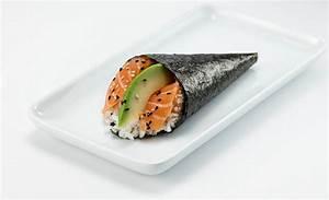 YO! Sushi - Salmon & Avocado Temaki
