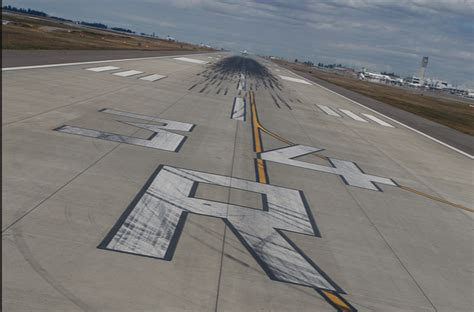 AvGeek Lesson: Everything There Is To Know About Runway ...