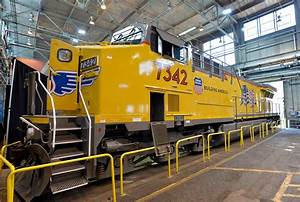 Ge Locomotive Production To Continue In Erie  For Now