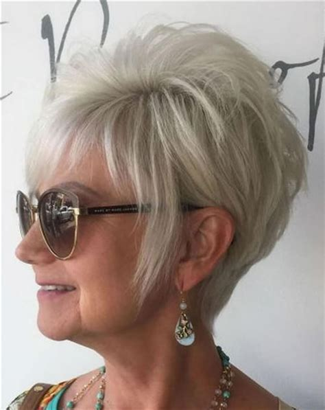 Short Hairstyles for Women Over 50 to Look Younger in 2020