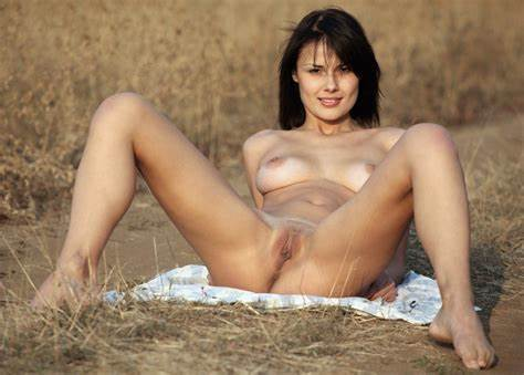 Fully Figured Blondes Gaped In Squatting Yard Emanuel Getting Nudes And Lustful In The Country
