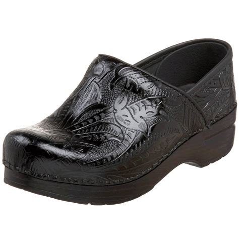comfortable nursing shoes dansko clogs check prices for dansko professional clogs